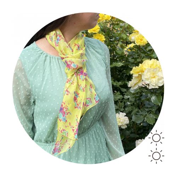 écharpe-femme-soie-imprimée-bouquet-fleurs-jaune-soleil-3A