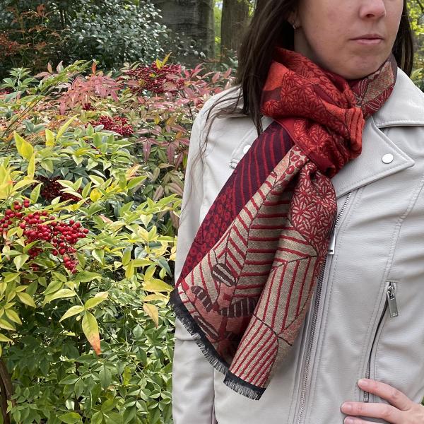 Etole-femme-amour-laine-soie-rouge