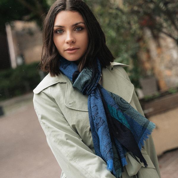 Scarf-woman-victoria-wool-silk-blue