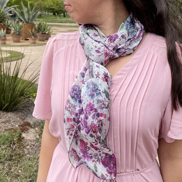 Woman-scarf-printed-silk-Romantique-pink-3A