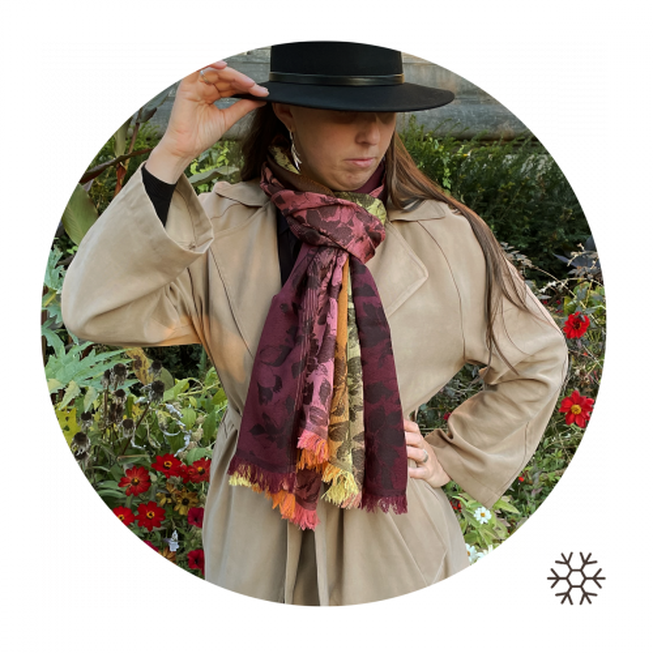 Stole-woman-romantic-wool-silk-pink-nude